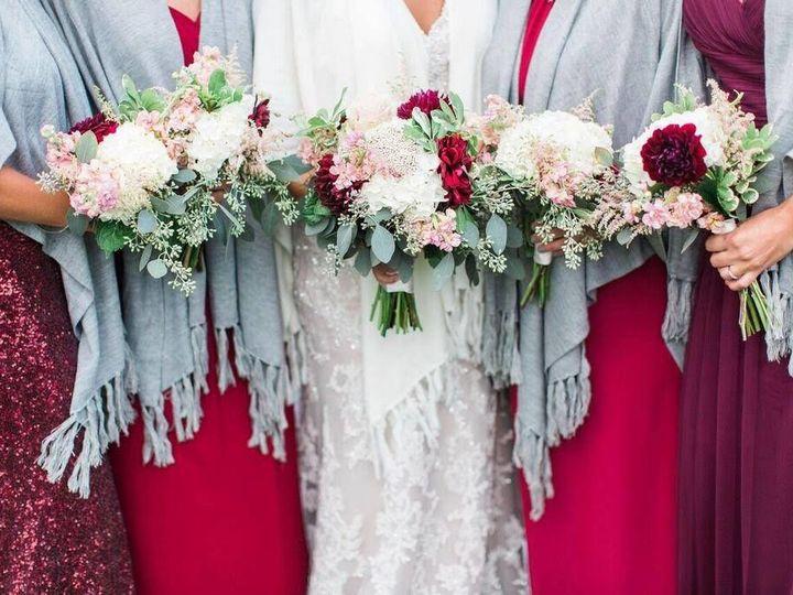 Tmx 1520011425 7cc9151e5e8ec2b0 1520011424 74e4303ed4f3c9ce 1520011420948 11 25351921 15891550 Ogunquit, Maine wedding florist