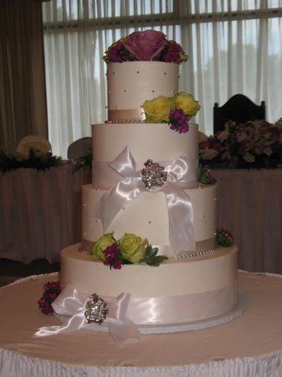 Beautiful Cakes Wedding Cake Chicago IL WeddingWire