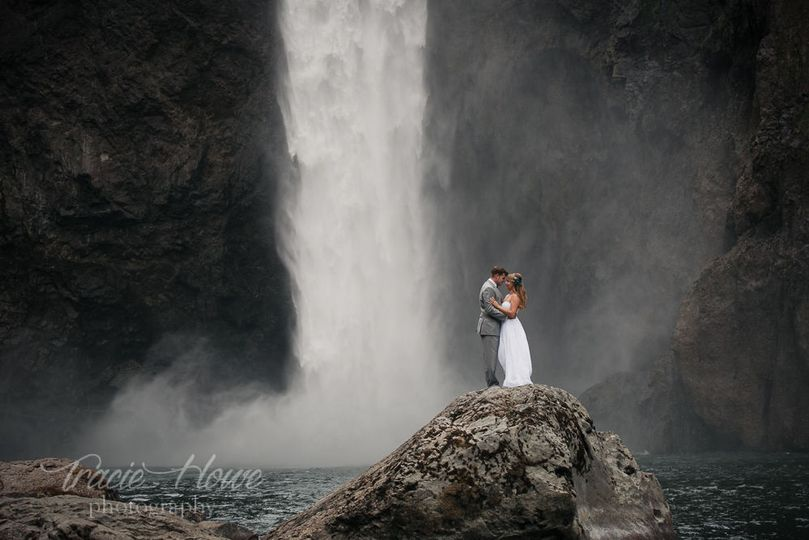 f90b5a0d1124f254 Snoqualmie Falls elopement photography 67