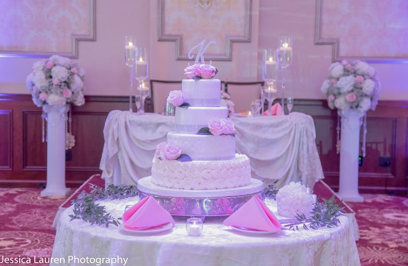 Sweetheart Table and Cake