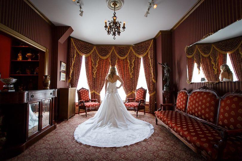 Wedding gown - Pretty Films