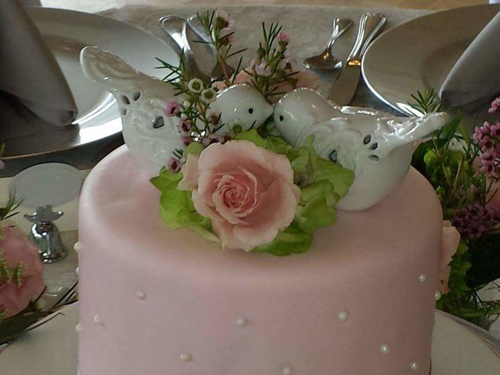 Tmx 1517311343 763a71c3dc61a9a2 1517311342 A253643416e252f3 1517311341826 11 FB IMG 1430366496 Tampa, FL wedding cake