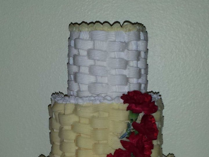Tmx 1517311386 Ba8d8d11710fc730 1517311385 A31f12340bfce376 1517311385567 15 FB IMG 1430366532 Tampa, FL wedding cake