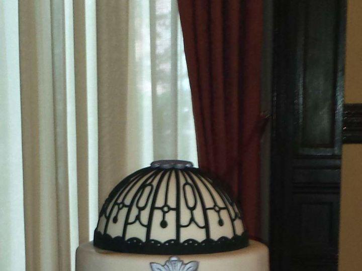 Tmx 1517311399 4d53e025392c6733 1517311398 39c73718b72e0d1b 1517311398590 16 FB IMG 1432513821 Tampa, FL wedding cake