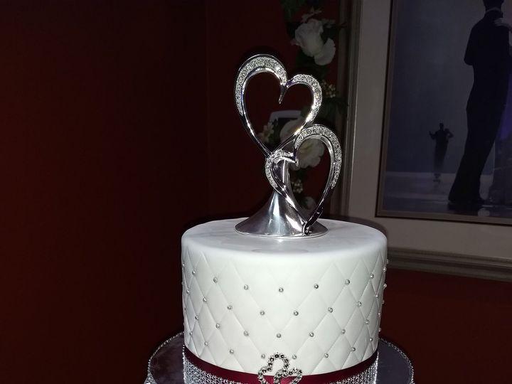 Tmx 1530011722 6f17c2b475f79b39 1530011718 D685c3937ca23eab 1530011708750 2 Cake 1 Tampa, FL wedding cake