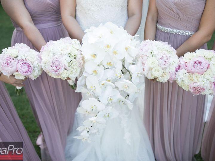 Tmx 1518293276 Ded9487784d20656 1518293274 2d78abe2408c8bf8 1518293265979 2 AlbaPro 3093 Hicksville, New York wedding florist