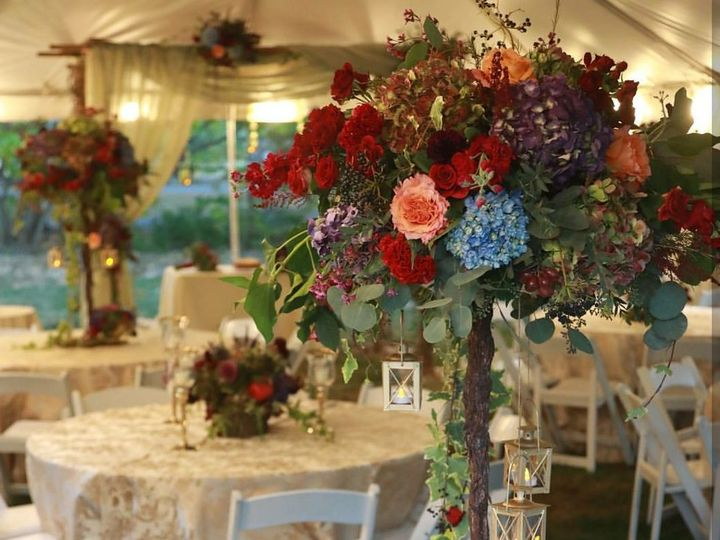 Tmx 1518293300 1091f1c543b77d97 1518293297 029cb9325e295151 1518293266009 20 Copy Of Screensho Hicksville, New York wedding florist