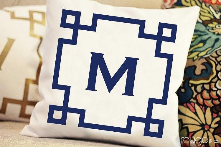 pillow monogram chinois