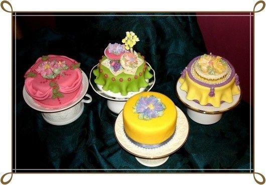 teacup cake 4 border