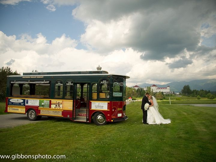 Tmx Gibbons 7 51 418530 157911321493201 Wolfeboro, NH wedding transportation