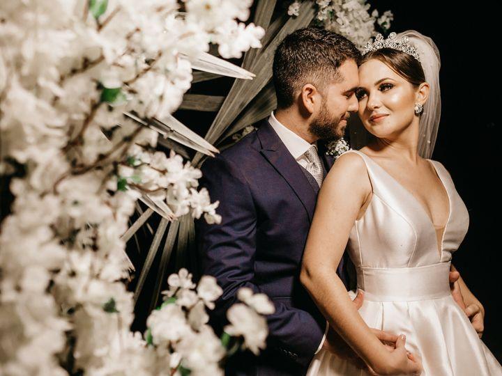 Tmx Bride And Groom With Flowers 51 78530 160105002056718 East Orange, NJ wedding planner