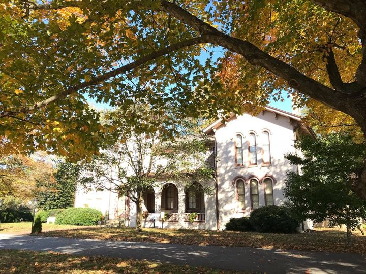 Fall at Ross Mansion