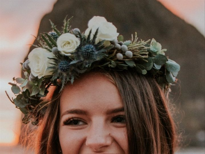 Tmx Blue And White Floral Crown By Anderson Florists 533x800 51 150630 Tillamook wedding florist