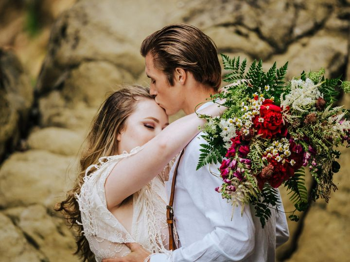 Tmx Myrtle Creative Co 0095 51 150630 1562174935 Tillamook wedding florist