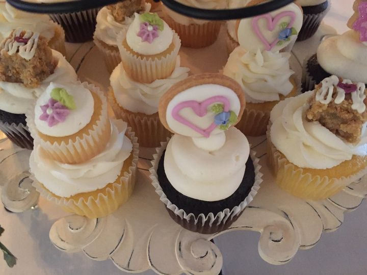 Cupcakes Bars, Cakes & Cut-Out