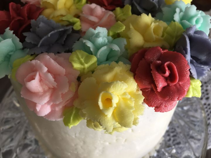 Tmx 1539368382 91a809514995f3eb 1539368380 Dd77e7b3f8003967 1539368377681 1 Rose Cake No Dots Colgate wedding cake