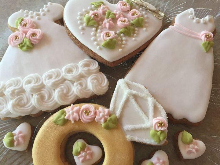 Tmx Wed Gold Mix 51 1013630 1562775319 Colgate wedding cake
