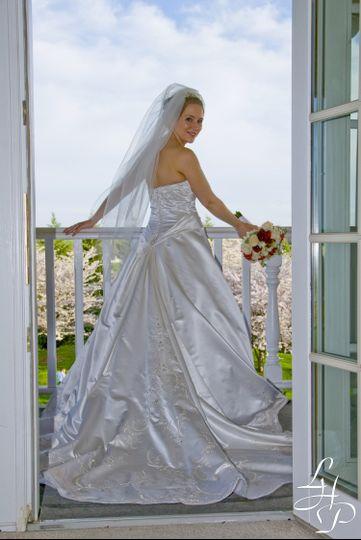 balcony with bride