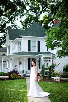 Victorian bed & breakfast has 4 bedrooms that can be reserved.