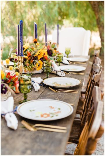 Creative Direction: Back Patio Event DesignRentals: CC Vintage RentalsPhotography: Cate Batchelor...