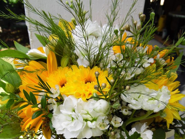 Tmx Floral10 51 404730 158860100266303 Mount Vernon, ME wedding florist