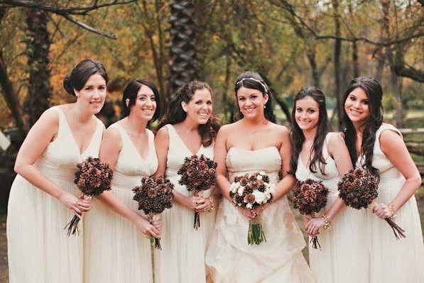 46ebb11f1f8bd7b6 1452279993229 bride bridesmaids