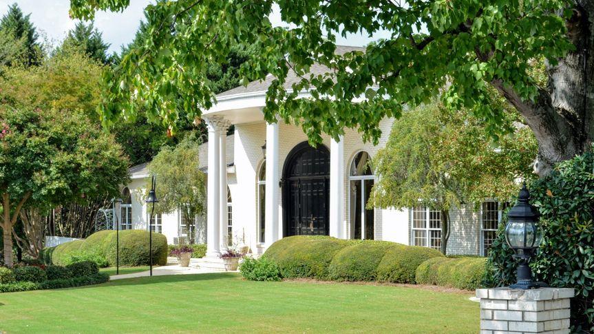 Vines Mansion & Gardens