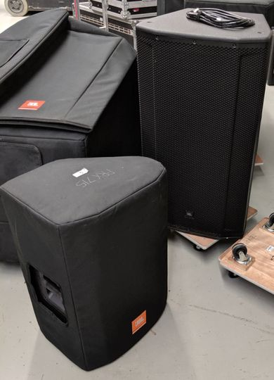 Single and Dual Woofer Speaker