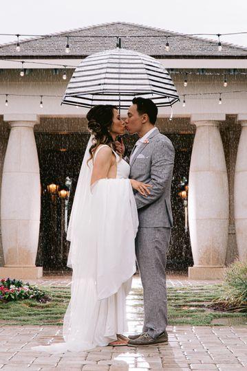 Rainy Kiss Courtyard