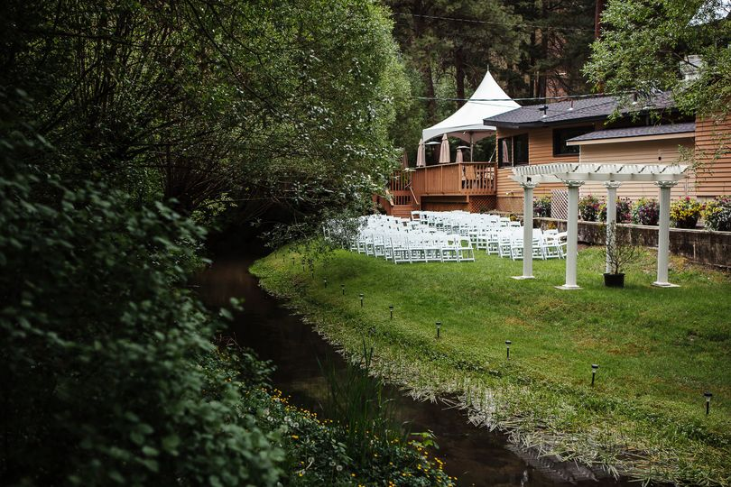 Outdoor wedding setup | Photo Credit: 2EE's Photography