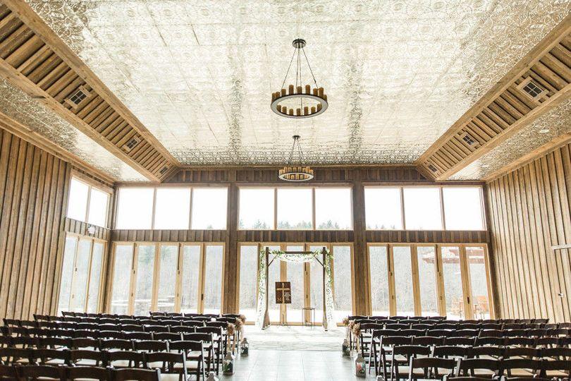 Indoor wedding venue | Photo: Jessi Paige Photography