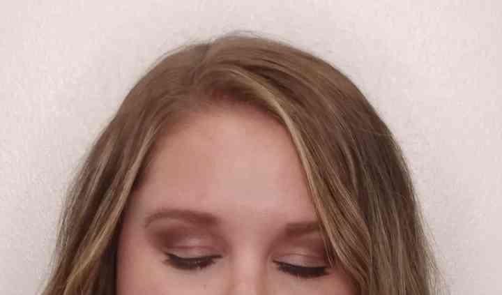 Lexa Looks Make Up