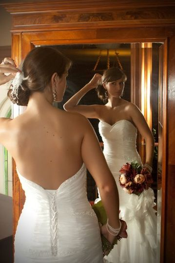 Mirror in bride's dressing room