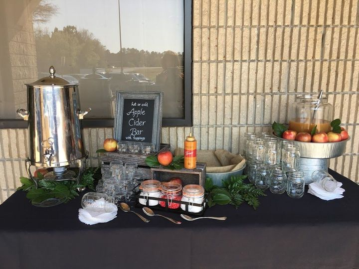 Hot and Cold Apple Cider Bar