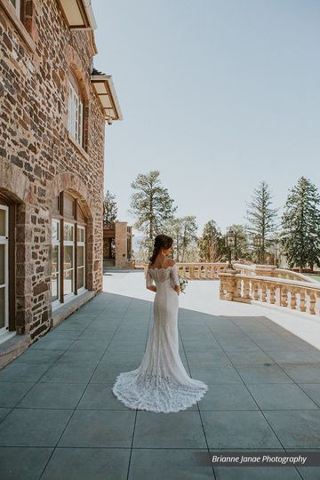 Elegant Bridal Moment