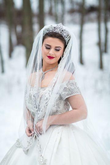 Snow Princess Bride, Winter Wedding