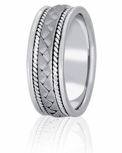 Hand made wedding band with braided center and rope inlay. Available from size 4 to 15 in 14 and 18K...