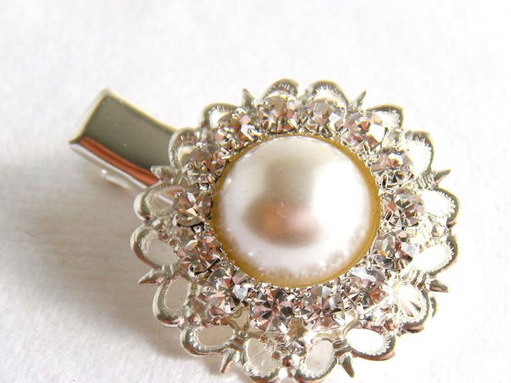 Tmx 1385155197790 Silver Rhinestone Pearl Clip 1000 1 Poughquag wedding jewelry
