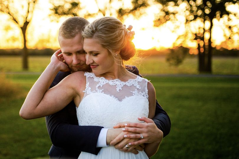 Newly wed at sunest - Trevor Ritsema Photography