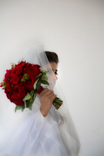 Bride, flowers, destination wedding