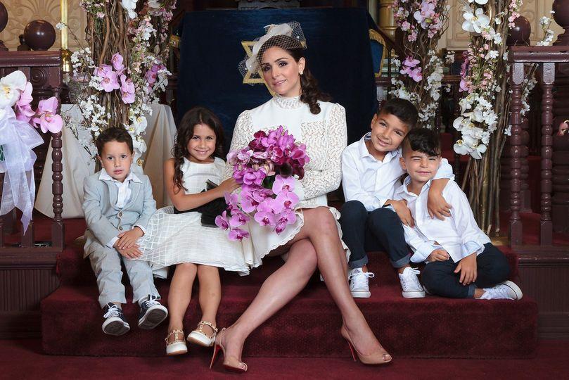 Jewish wedding, synagogue, bride, children, hupa