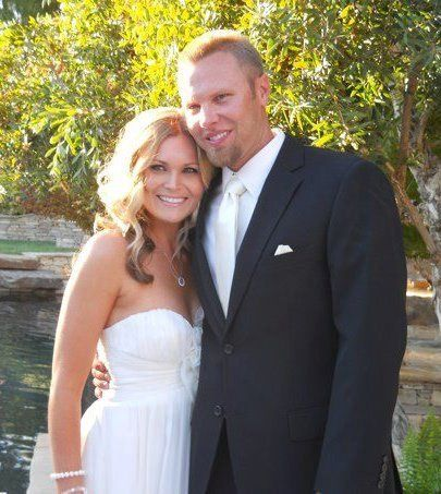 Jami is simply stunning in a Level 3 custom airbrush tan for her wedding day. Just enough color to...