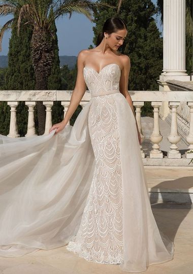 Wedding dresses in Brookfield