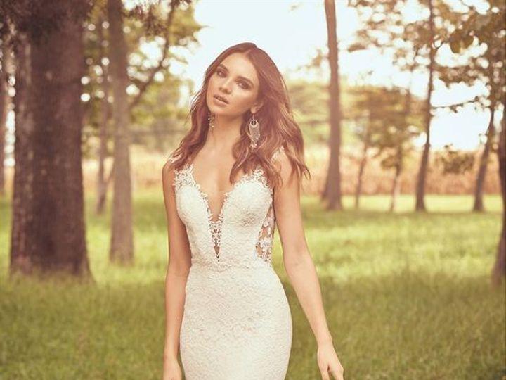 Tmx 12 51 983040 1557939444 Brookfield, WI wedding dress