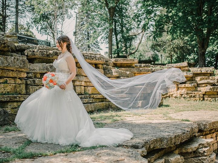 Tmx Magenta Wedding Photography Rocks2 51 987040 160471635472993 Davenport, IA wedding photography