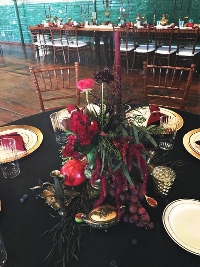 Red theme | Ten Point Floral Design
