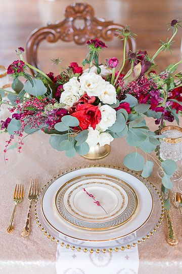 Table centerpiece | Shannon Ford Photography