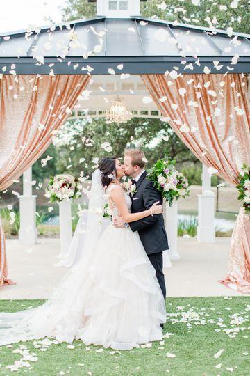 wedding 839 51 611140 1565730223