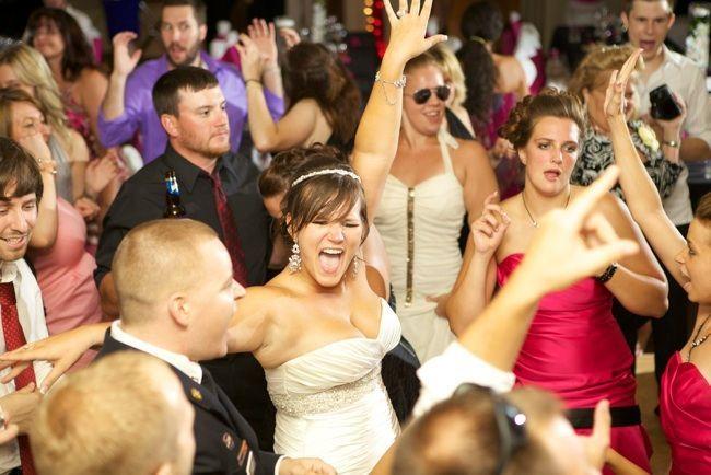 b9dbe8278df47f2b allie wedding dance