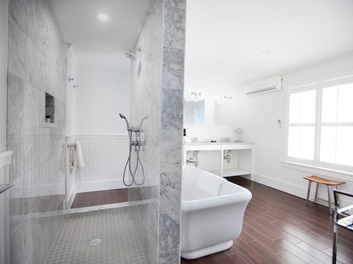 Tmx Lux Grand Bathroom 2 51 939140 158161054630689 Vineyard Haven wedding travel